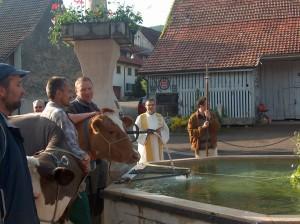 Vieh- und Brunnensegnung mit Pater Ludwig Ziegerer